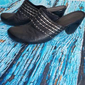 Bare Traps Tayla Leather Clog 9.5 Black Boho